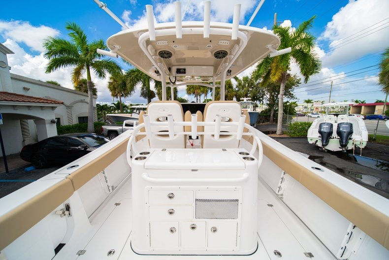 Thumbnail 18 for Used 2016 Sportsman 312 boat for sale in West Palm Beach, FL