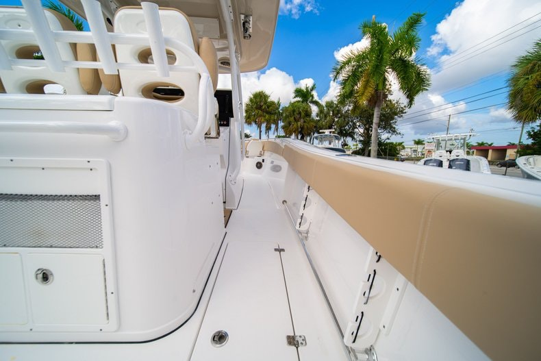 Thumbnail 19 for Used 2016 Sportsman 312 boat for sale in West Palm Beach, FL