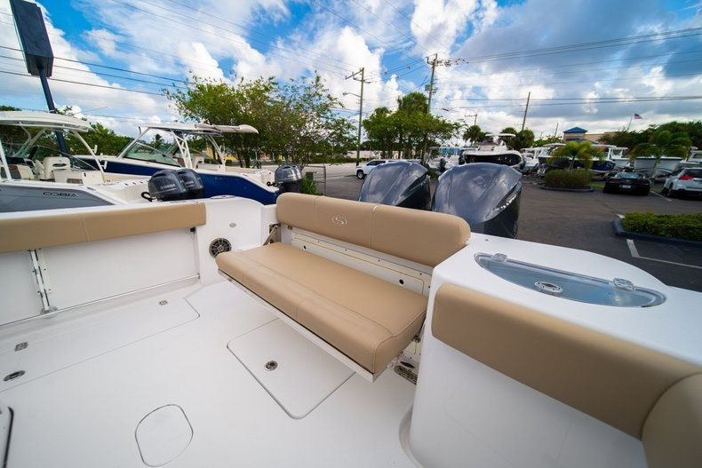 Thumbnail 13 for Used 2016 Sportsman 312 boat for sale in West Palm Beach, FL