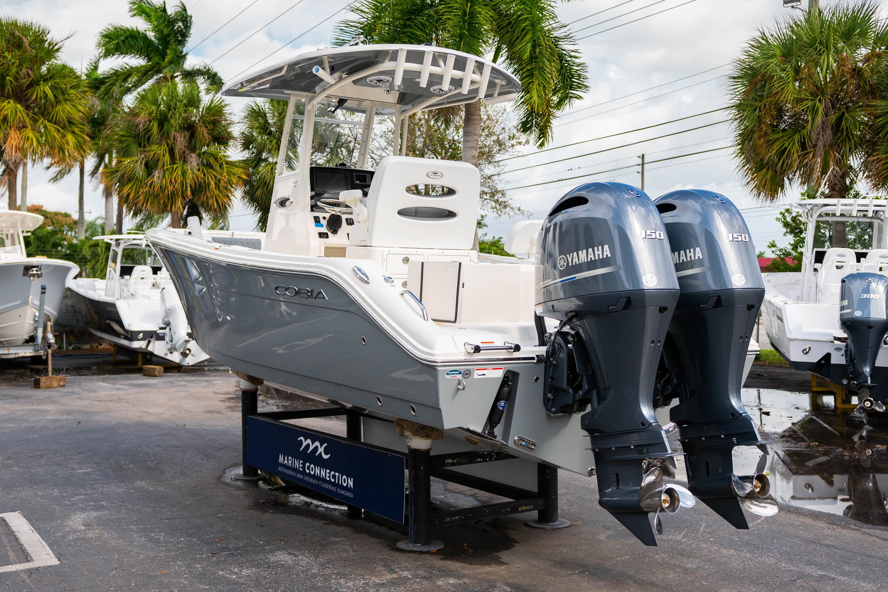 Thumbnail 5 for New 2020 Cobia 240 CC Center Console boat for sale in West Palm Beach, FL