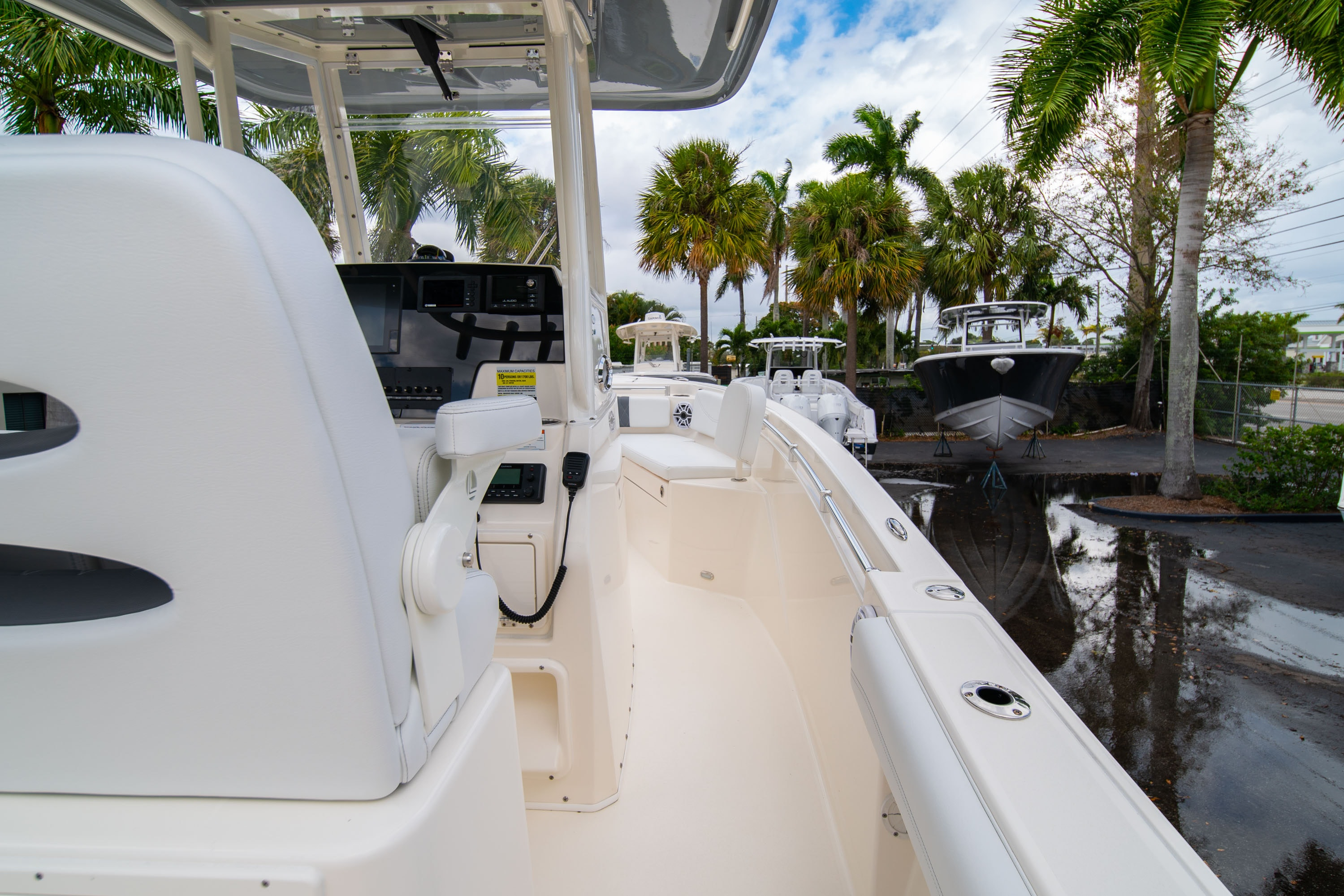 Thumbnail 15 for New 2020 Cobia 240 CC Center Console boat for sale in West Palm Beach, FL