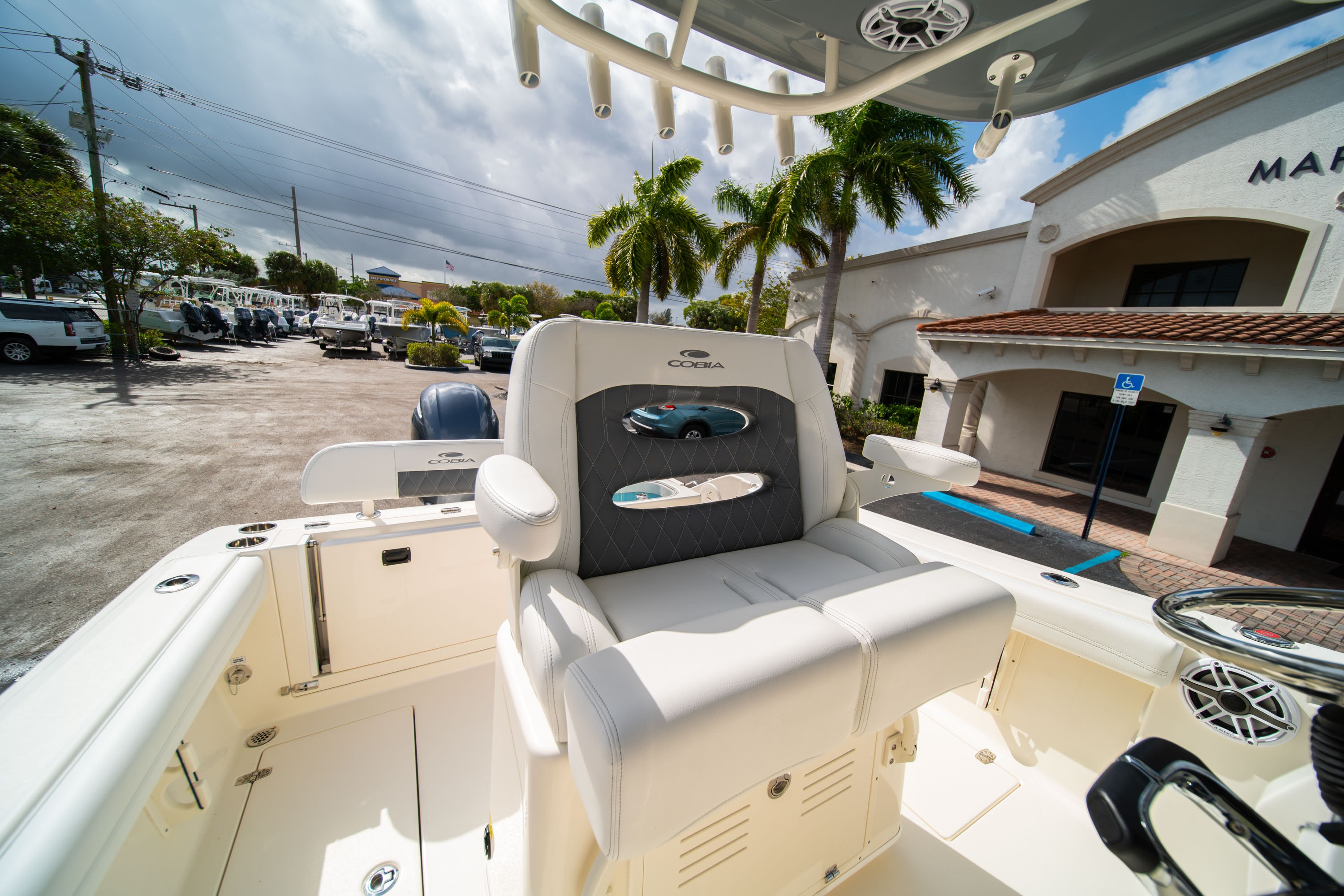 Thumbnail 33 for New 2020 Cobia 240 CC Center Console boat for sale in West Palm Beach, FL