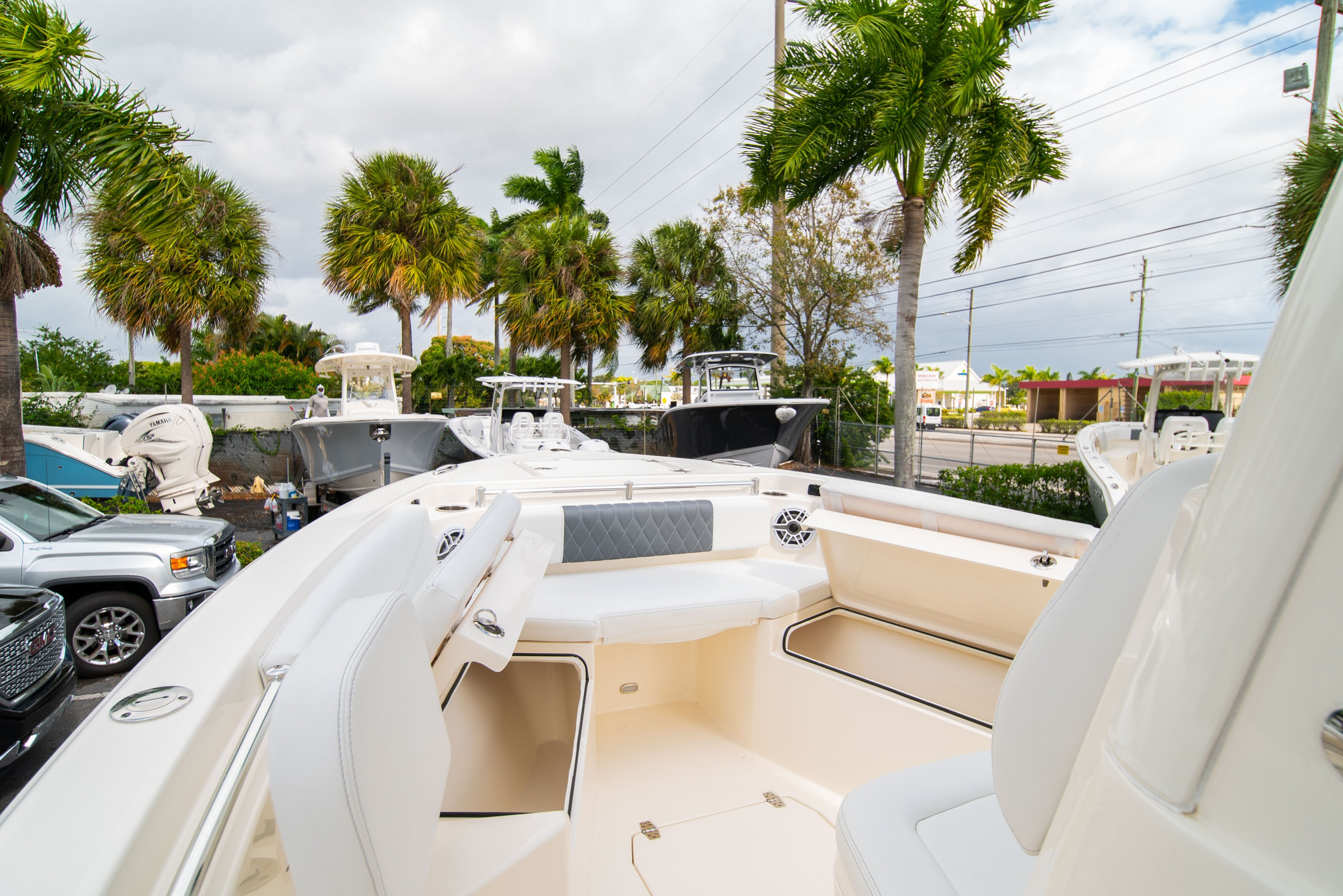 Thumbnail 39 for New 2020 Cobia 240 CC Center Console boat for sale in West Palm Beach, FL