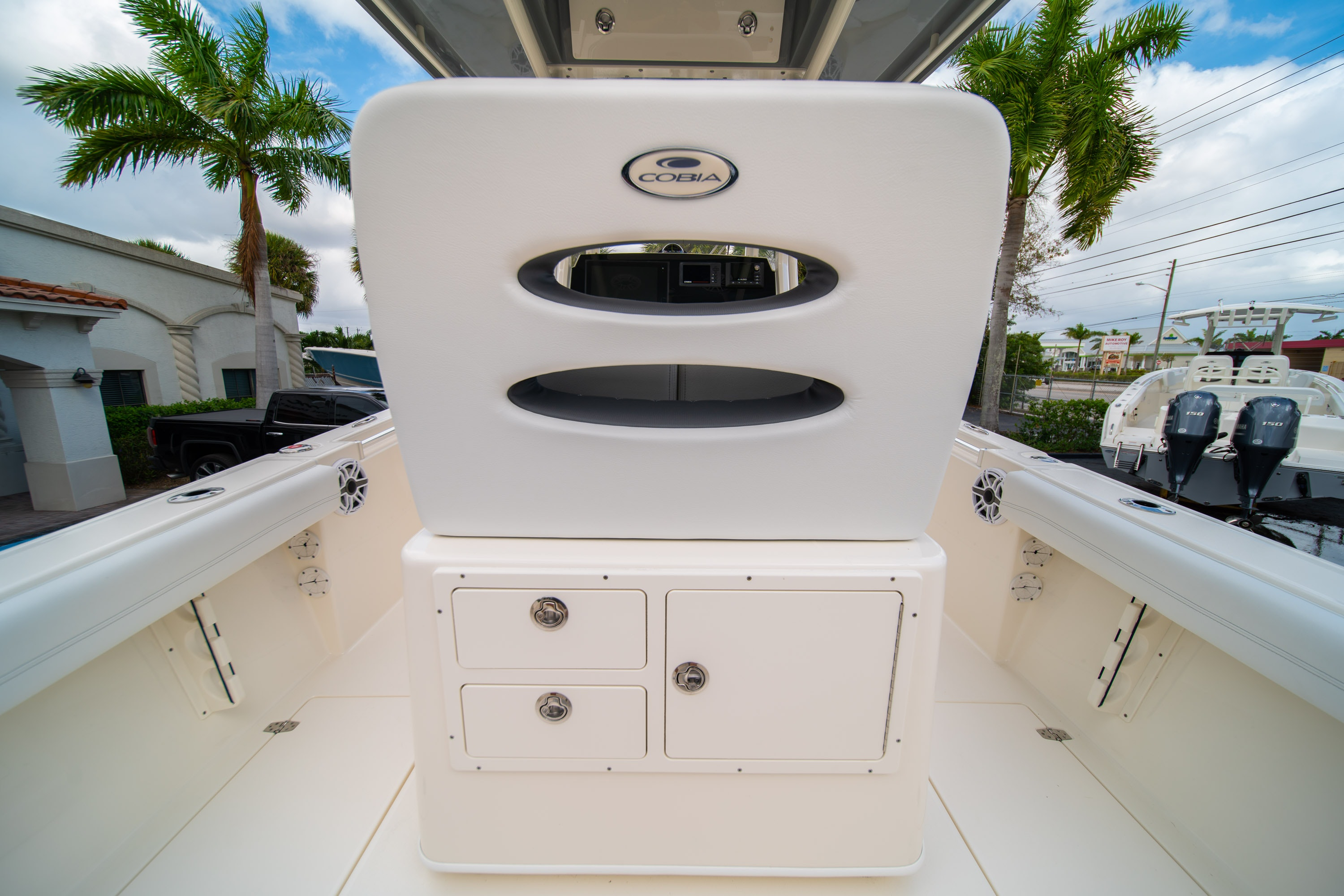 Thumbnail 18 for New 2020 Cobia 240 CC Center Console boat for sale in West Palm Beach, FL