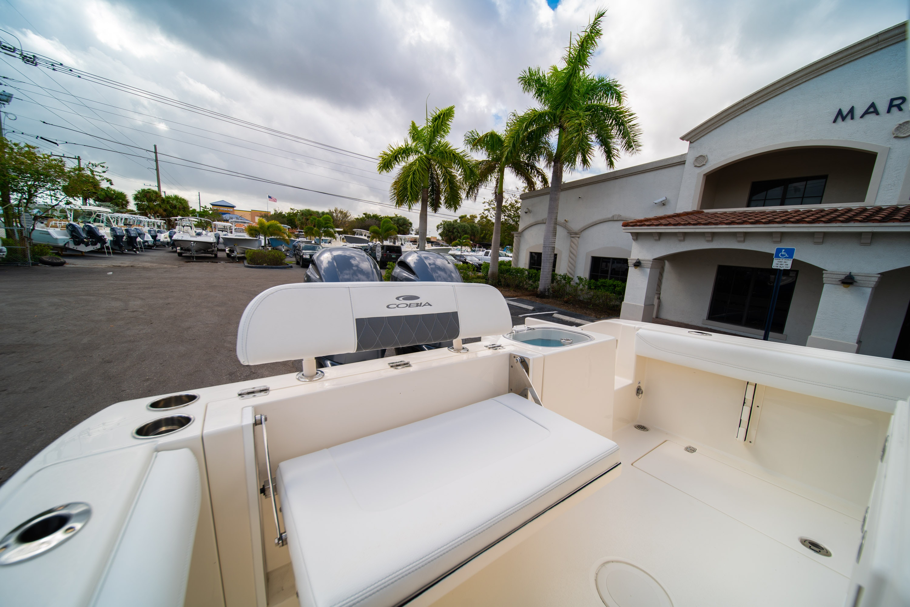 Thumbnail 10 for New 2020 Cobia 240 CC Center Console boat for sale in West Palm Beach, FL