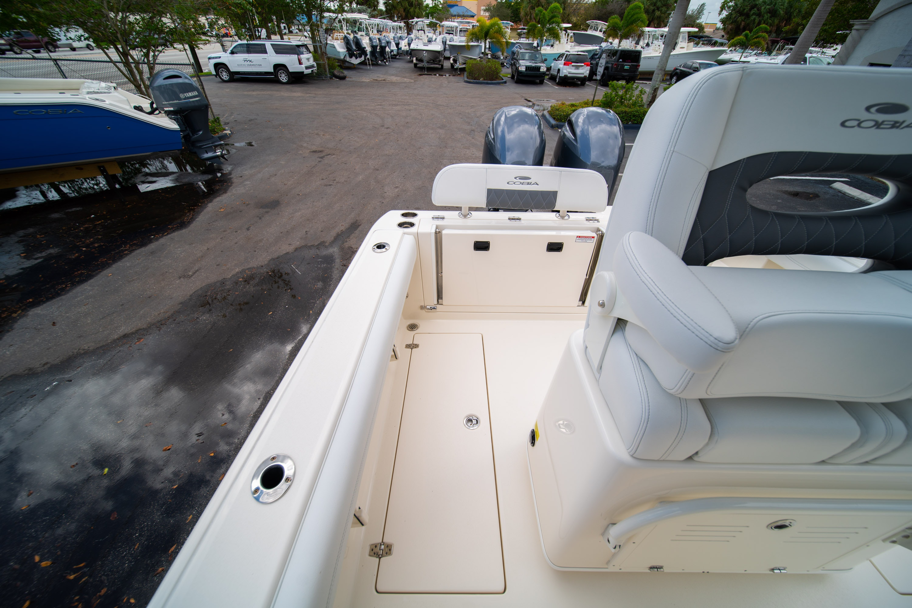 Thumbnail 16 for New 2020 Cobia 240 CC Center Console boat for sale in West Palm Beach, FL