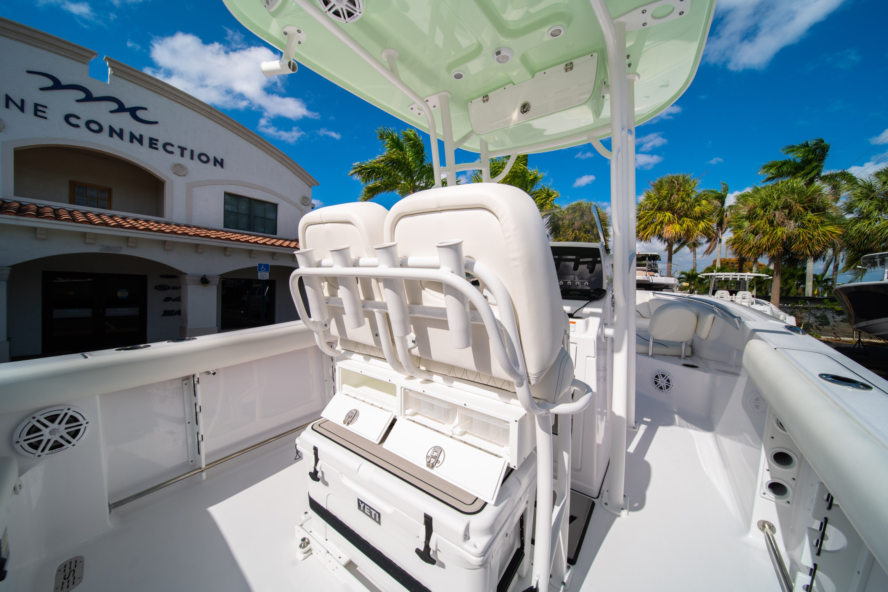 Thumbnail 16 for New 2020 Sportsman Heritage 231 Center Console boat for sale in West Palm Beach, FL