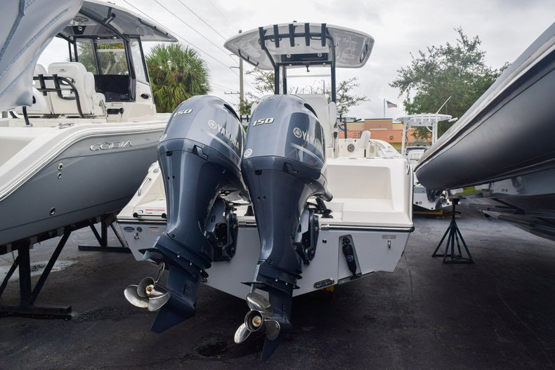 Thumbnail 3 for New 2020 Cobia 240 CC boat for sale in Miami, FL