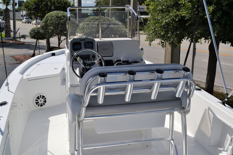 Thumbnail 5 for Used 2011 Sea Hunt BX 24 boat for sale in Vero Beach, FL