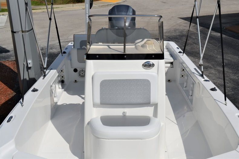 Thumbnail 12 for Used 2011 Sea Hunt BX 24 boat for sale in Vero Beach, FL