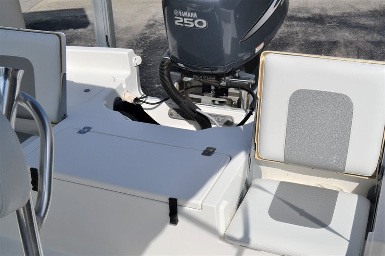 Thumbnail 18 for Used 2011 Sea Hunt BX 24 boat for sale in Vero Beach, FL