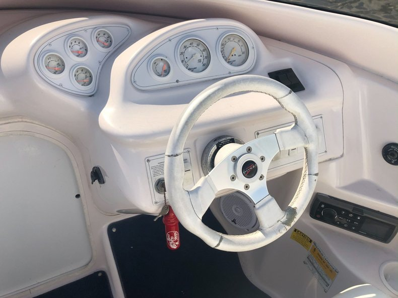 Thumbnail 18 for Used 2002 Donzi 22 ZX boat for sale in Fort Lauderdale, FL