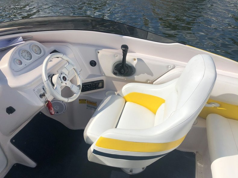Thumbnail 13 for Used 2002 Donzi 22 ZX boat for sale in Fort Lauderdale, FL