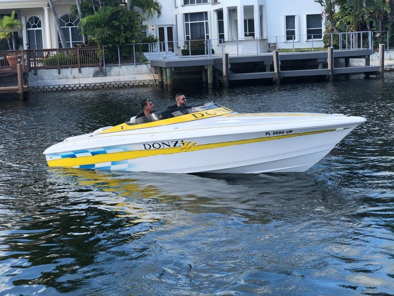 Thumbnail 1 for Used 2002 Donzi 22 ZX boat for sale in Fort Lauderdale, FL