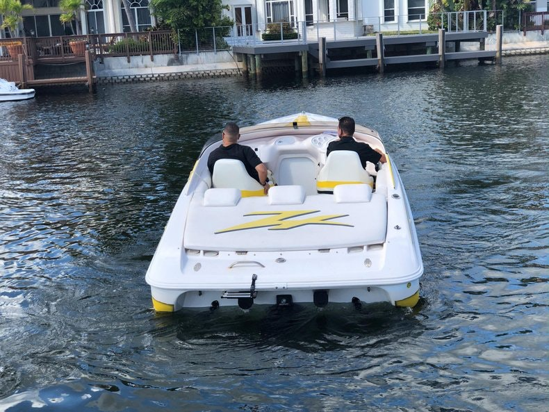 Thumbnail 6 for Used 2002 Donzi 22 ZX boat for sale in Fort Lauderdale, FL