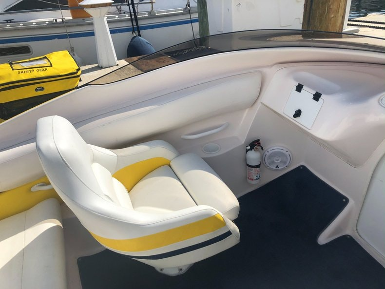 Thumbnail 15 for Used 2002 Donzi 22 ZX boat for sale in Fort Lauderdale, FL
