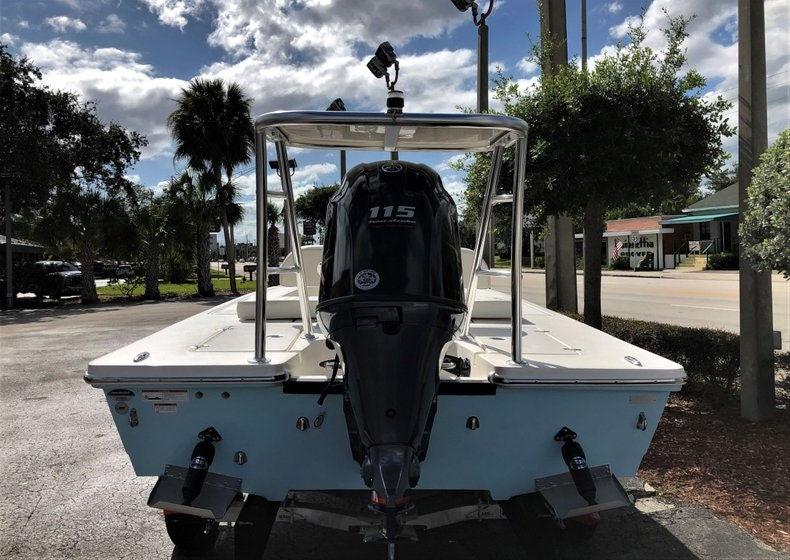 Thumbnail 5 for New 2020 Hewes Redfisher 18 boat for sale in Vero Beach, FL