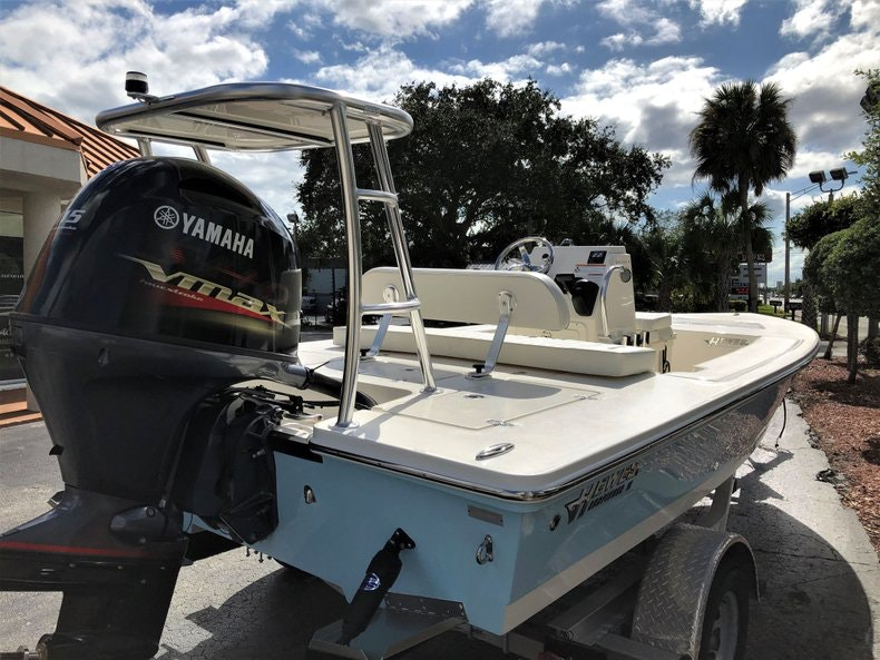 Thumbnail 6 for New 2020 Hewes Redfisher 18 boat for sale in Vero Beach, FL