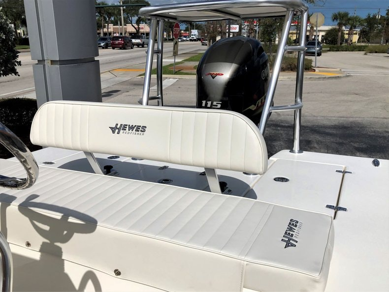 Thumbnail 15 for New 2020 Hewes Redfisher 18 boat for sale in Vero Beach, FL