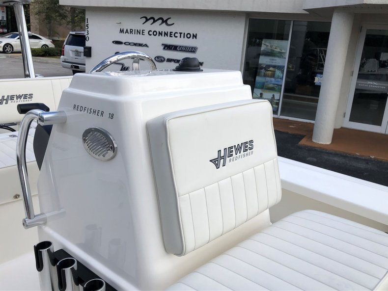 Thumbnail 19 for New 2020 Hewes Redfisher 18 boat for sale in Vero Beach, FL