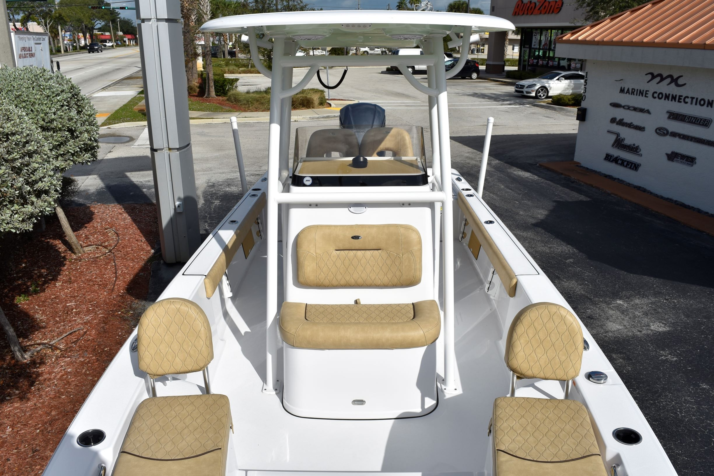Thumbnail 27 for New 2020 Sportsman Masters 247 Bay Boat boat for sale in Vero Beach, FL