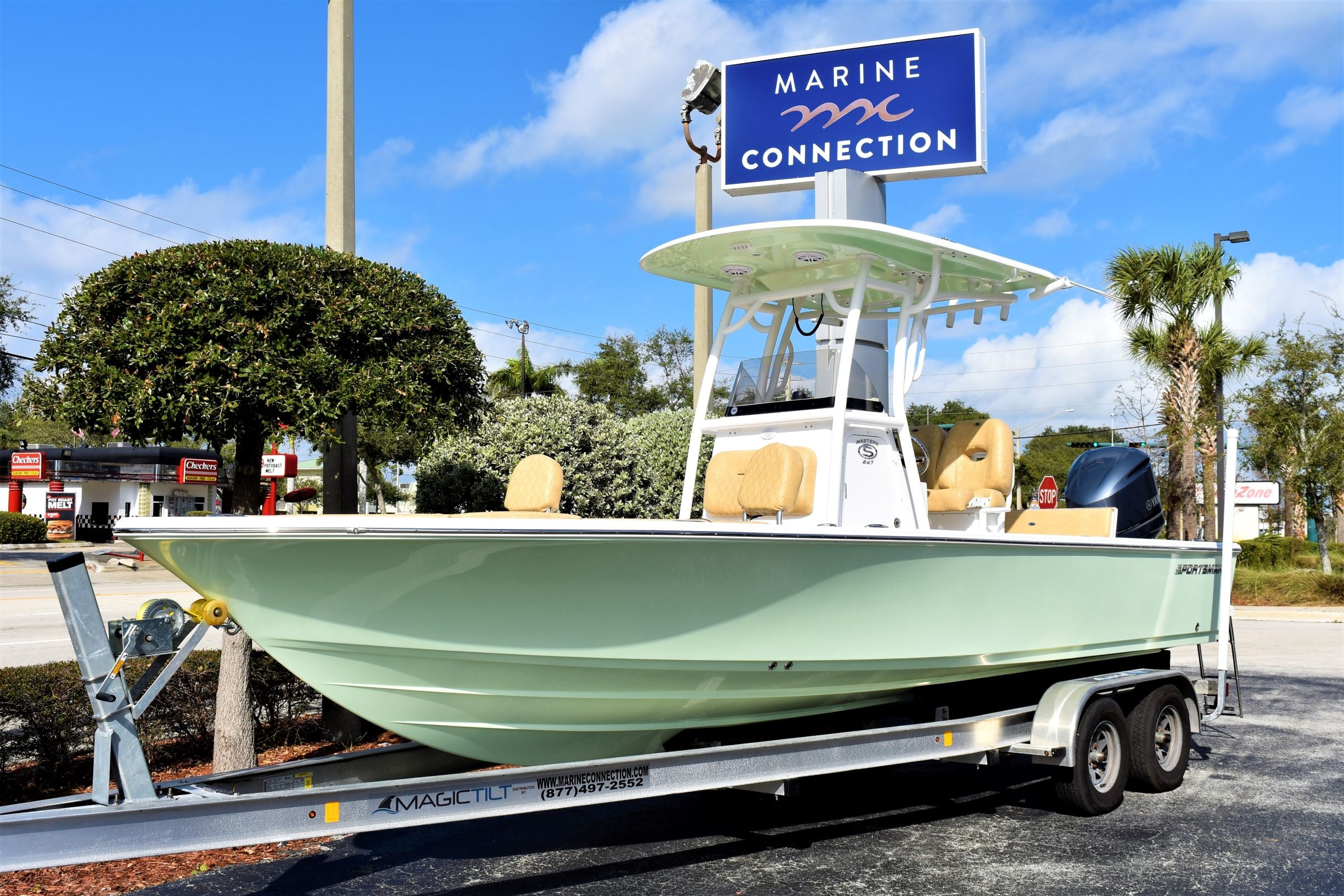 Thumbnail 1 for New 2020 Sportsman Masters 247 Bay Boat boat for sale in Vero Beach, FL