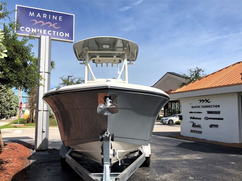 Thumbnail 2 for New 2020 Cobia 220 Center Console boat for sale in Vero Beach, FL