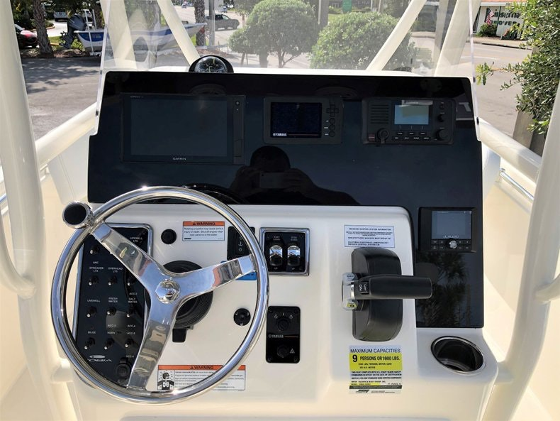 Thumbnail 9 for New 2020 Cobia 220 Center Console boat for sale in Vero Beach, FL