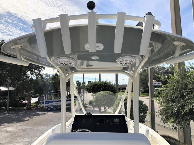 Thumbnail 8 for New 2020 Cobia 220 Center Console boat for sale in Vero Beach, FL