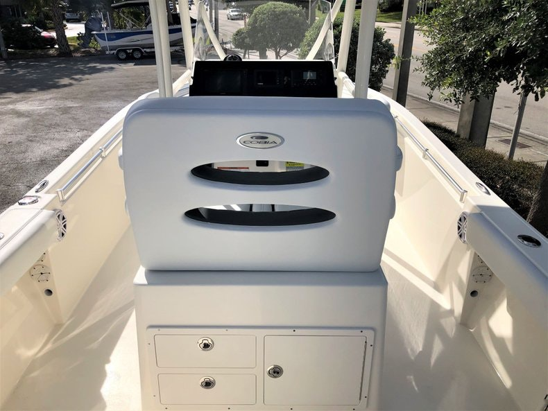 Thumbnail 7 for New 2020 Cobia 220 Center Console boat for sale in Vero Beach, FL