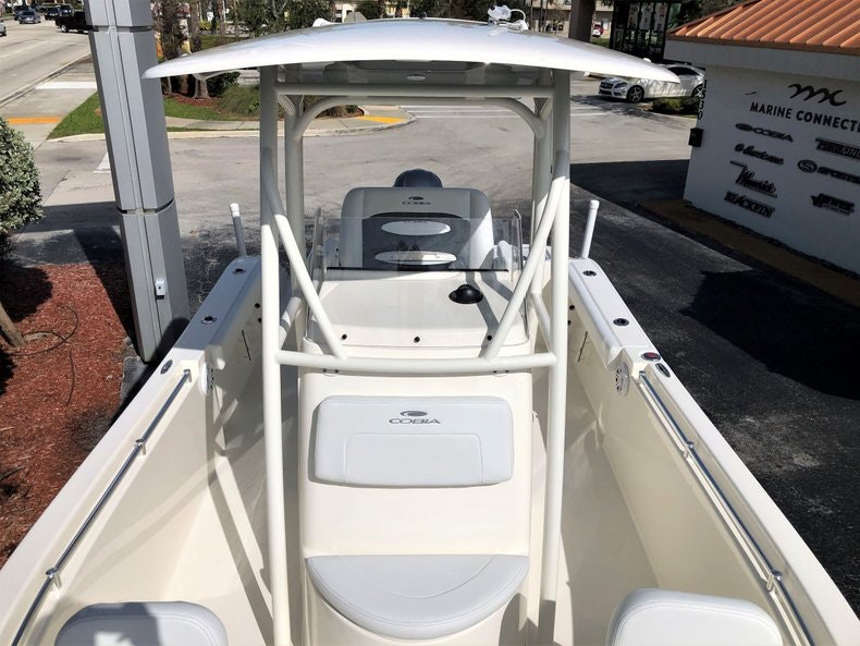 Thumbnail 13 for New 2020 Cobia 220 Center Console boat for sale in Vero Beach, FL