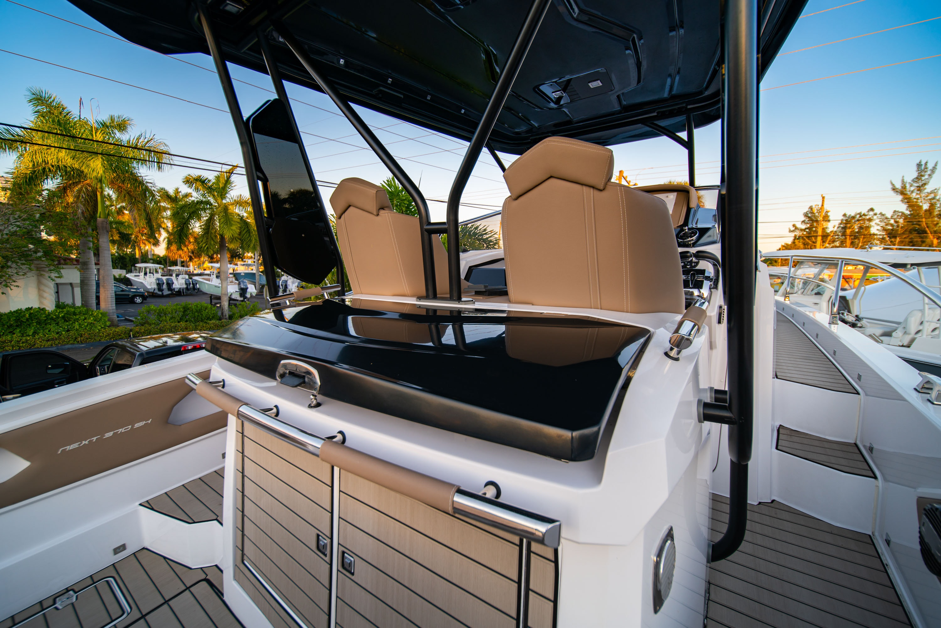 Thumbnail 15 for New 2019 Ranieri Next 370 SH boat for sale in West Palm Beach, FL