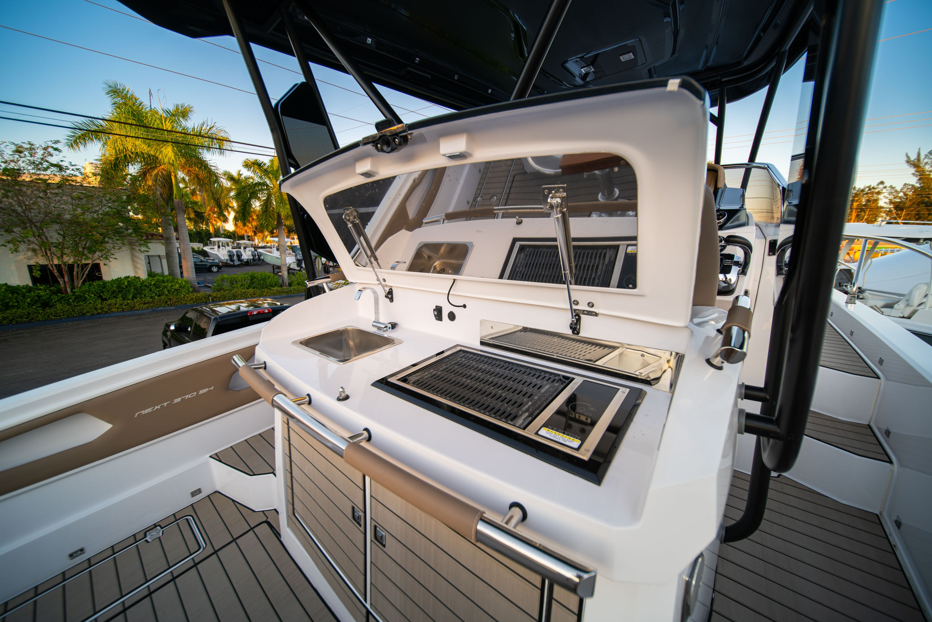 Thumbnail 14 for New 2019 Ranieri Next 370 SH boat for sale in West Palm Beach, FL