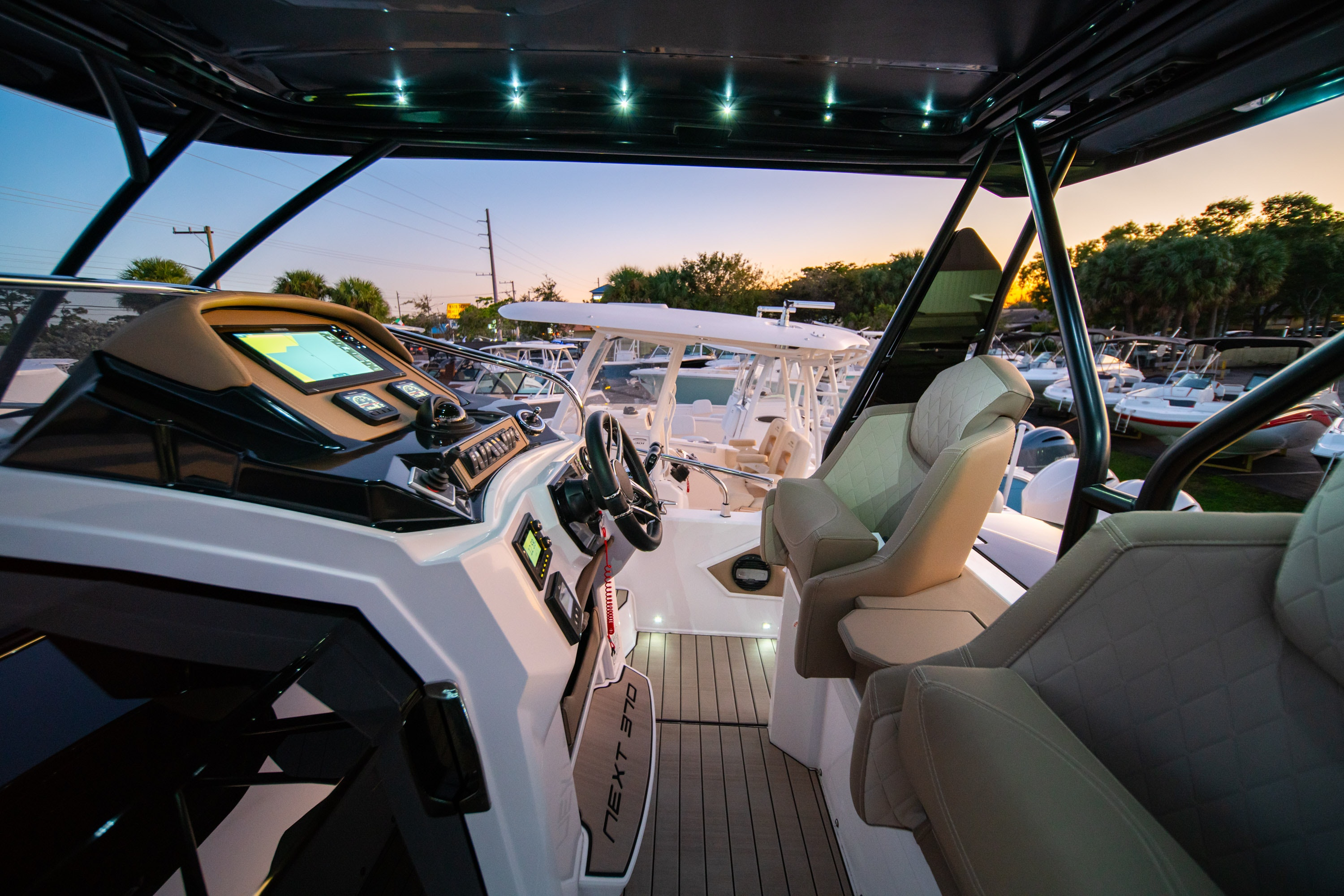 Thumbnail 19 for New 2019 Ranieri Next 370 SH boat for sale in West Palm Beach, FL