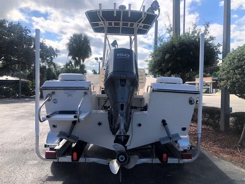 Thumbnail 4 for Used 2010 Grady-White 209 Escape boat for sale in Vero Beach, FL
