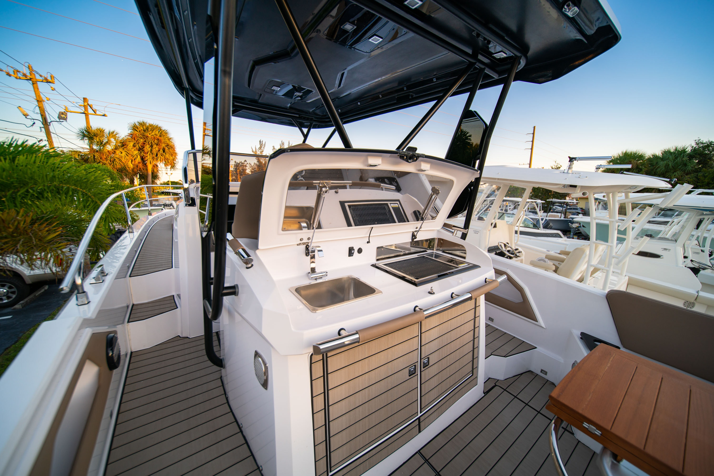Thumbnail 13 for New 2019 Ranieri Next 370 SH boat for sale in West Palm Beach, FL
