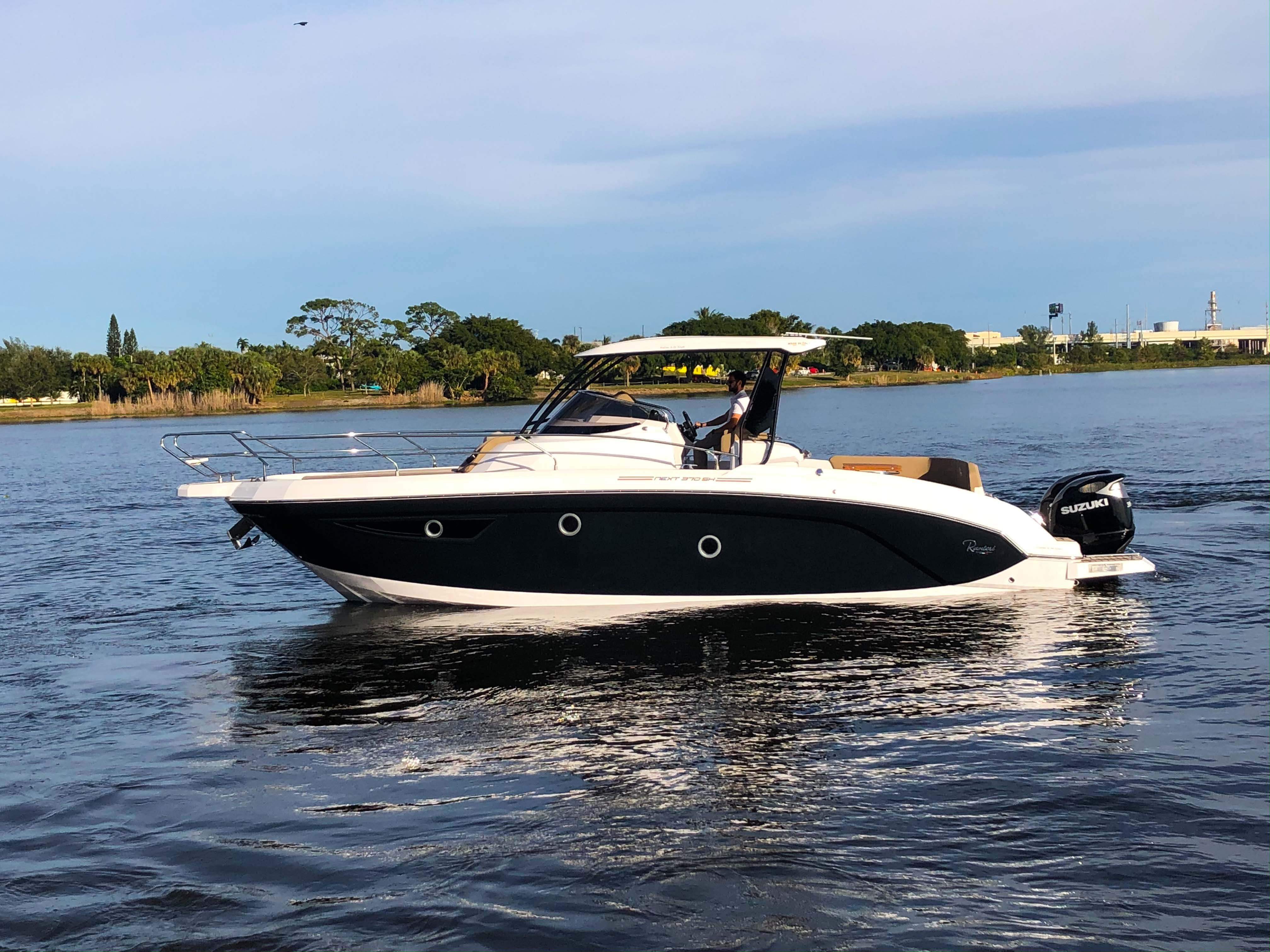 Thumbnail 54 for New 2019 Ranieri Next 370 SH boat for sale in West Palm Beach, FL