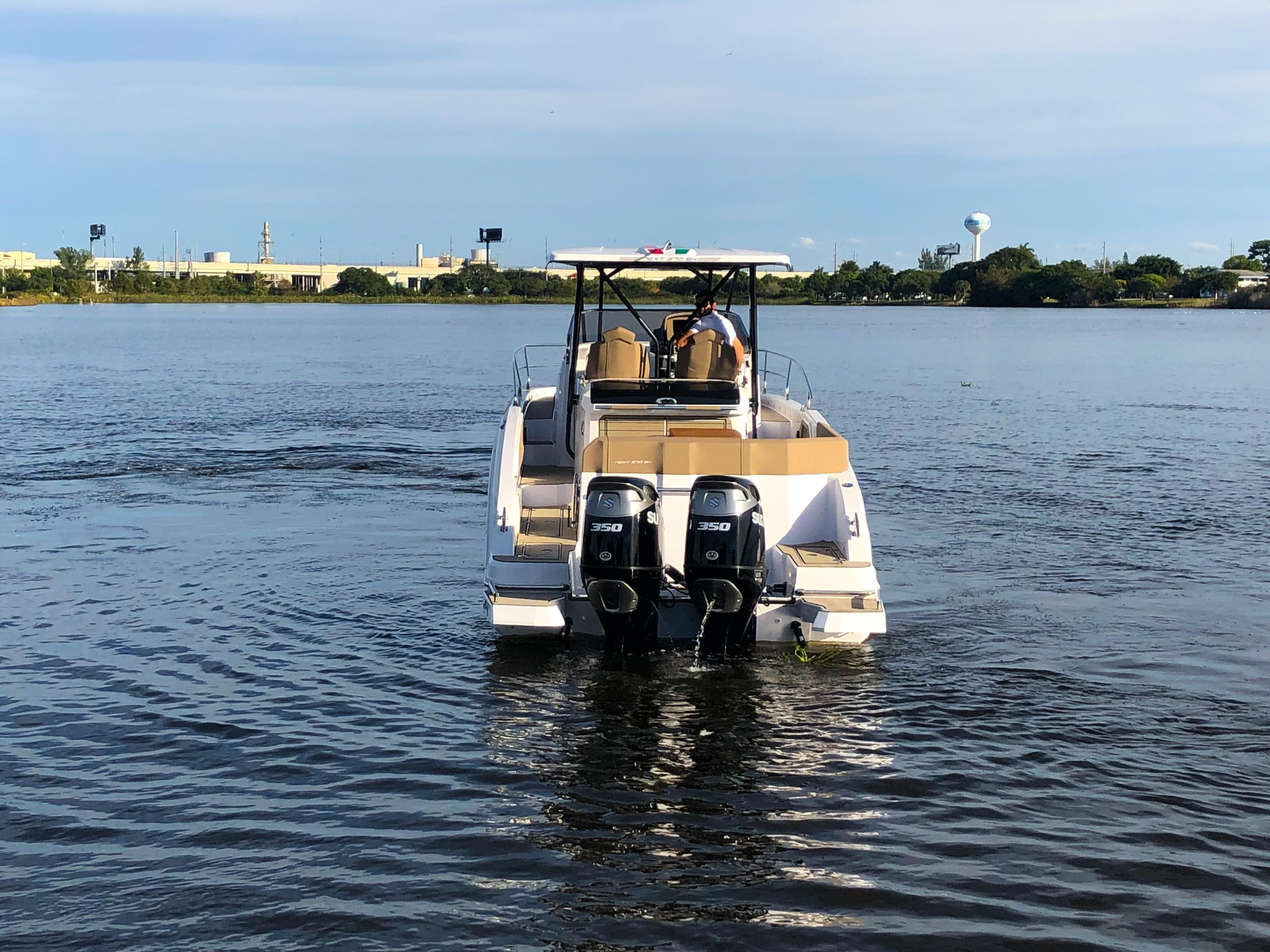 Thumbnail 60 for New 2019 Ranieri Next 370 SH boat for sale in West Palm Beach, FL