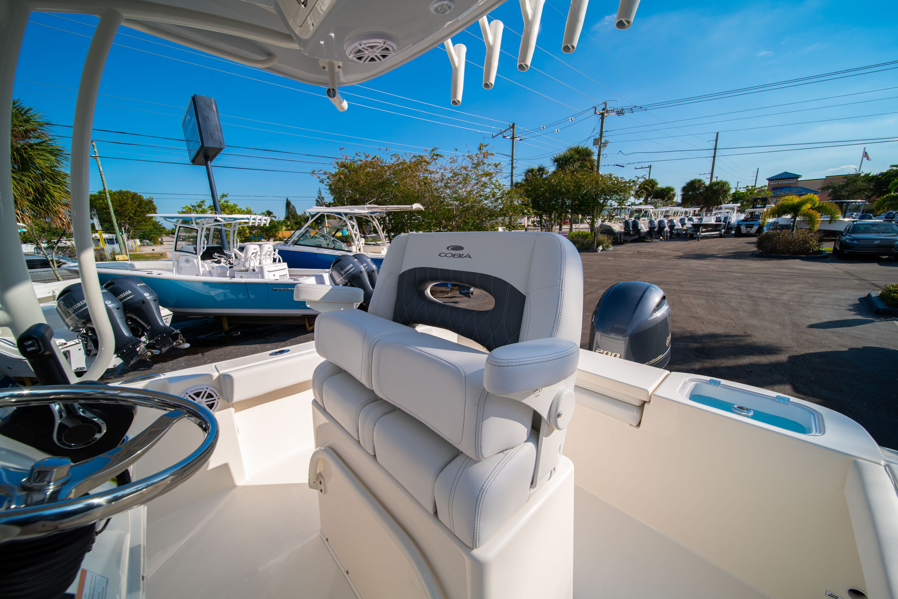 Thumbnail 28 for New 2020 Cobia 220 CC boat for sale in West Palm Beach, FL
