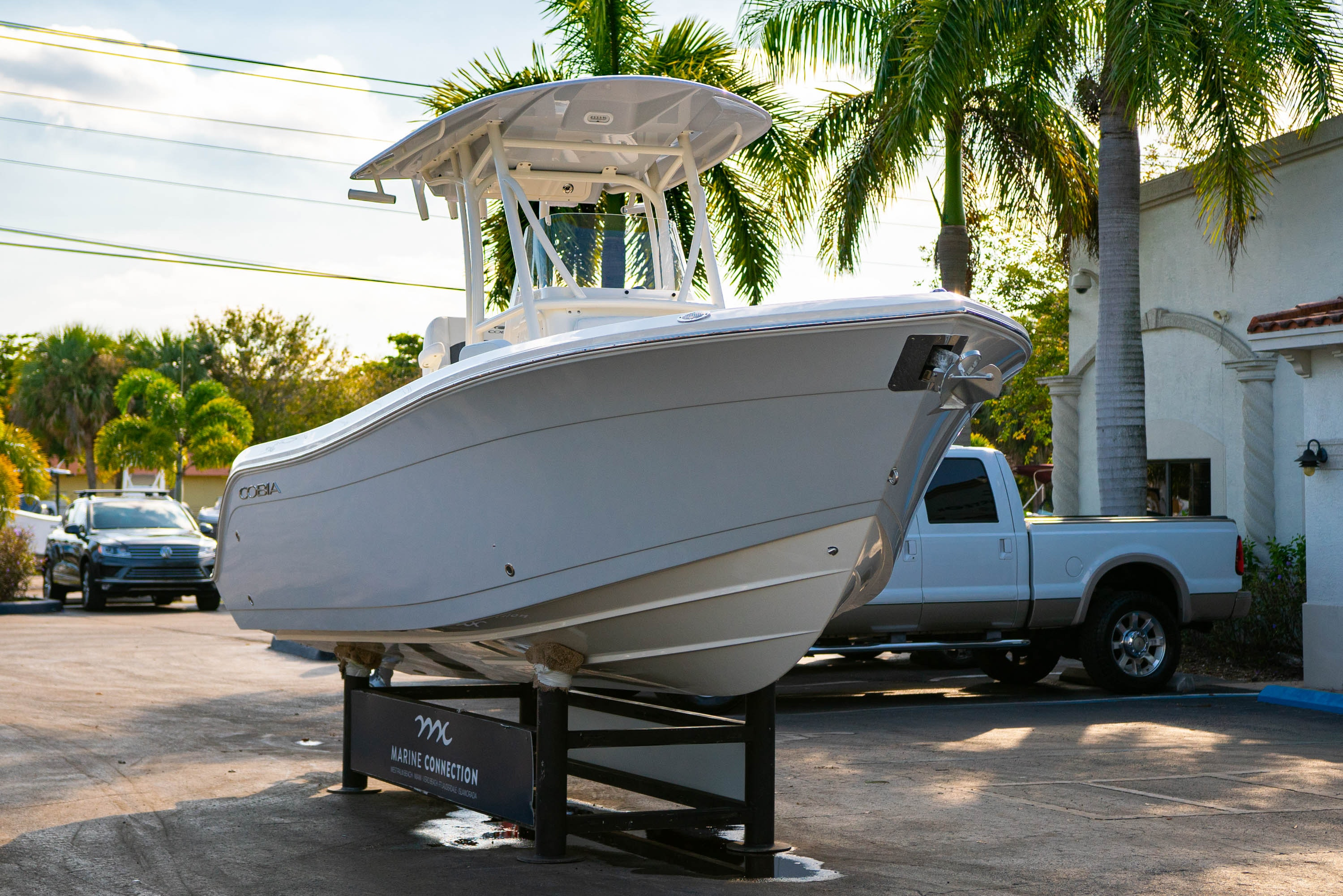 Thumbnail 1 for New 2020 Cobia 220 CC boat for sale in West Palm Beach, FL