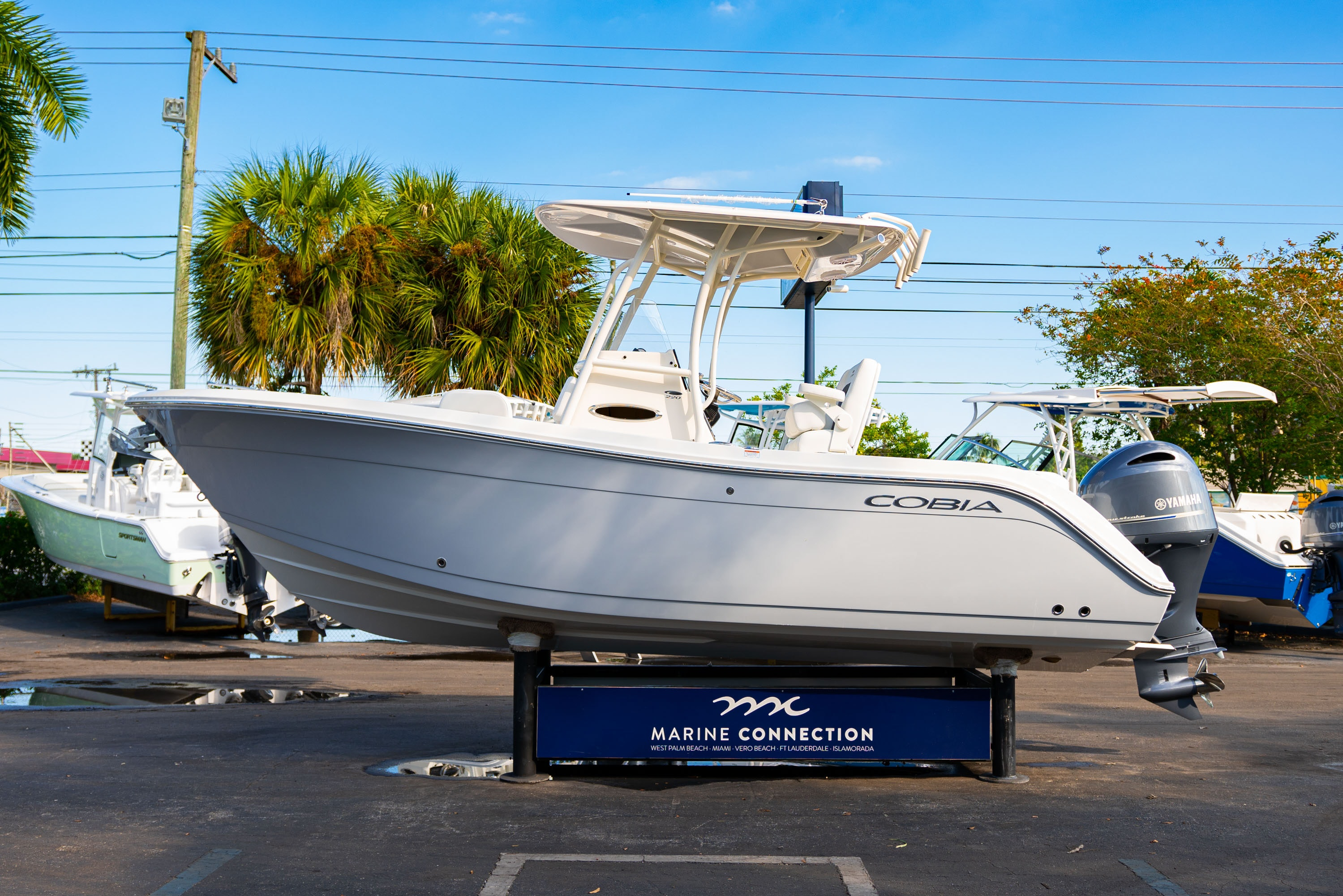 Thumbnail 4 for New 2020 Cobia 220 CC boat for sale in West Palm Beach, FL