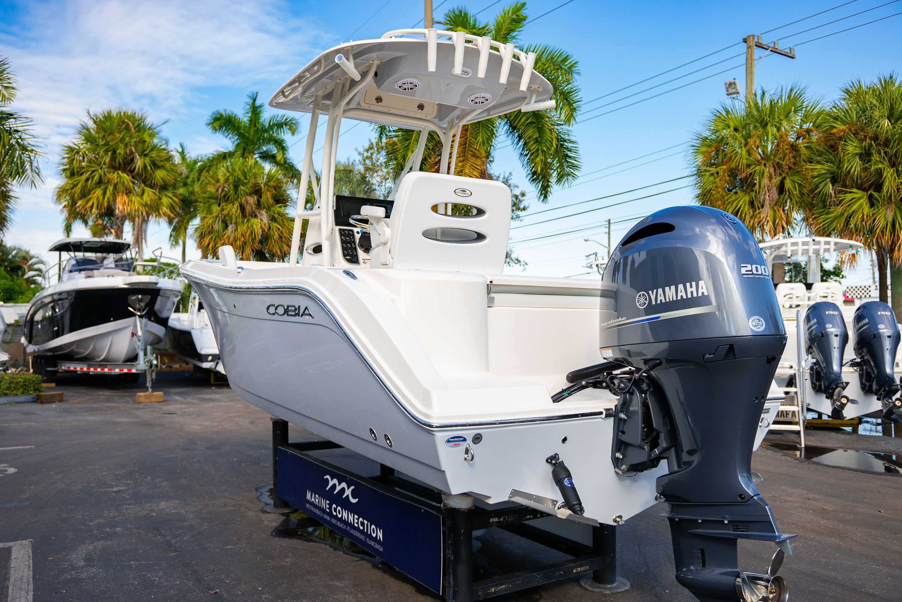 Thumbnail 5 for New 2020 Cobia 220 CC boat for sale in West Palm Beach, FL