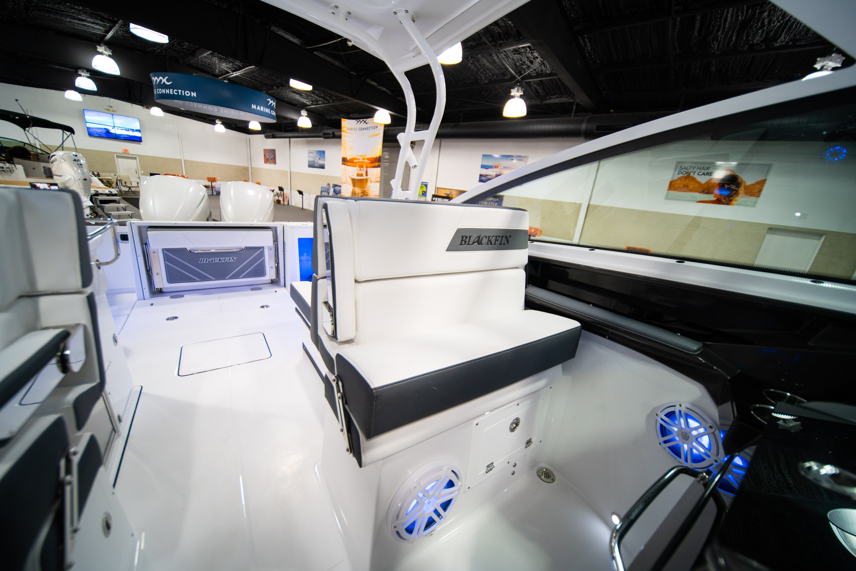 Thumbnail 32 for New 2020 Blackfin 272DC boat for sale in West Palm Beach, FL
