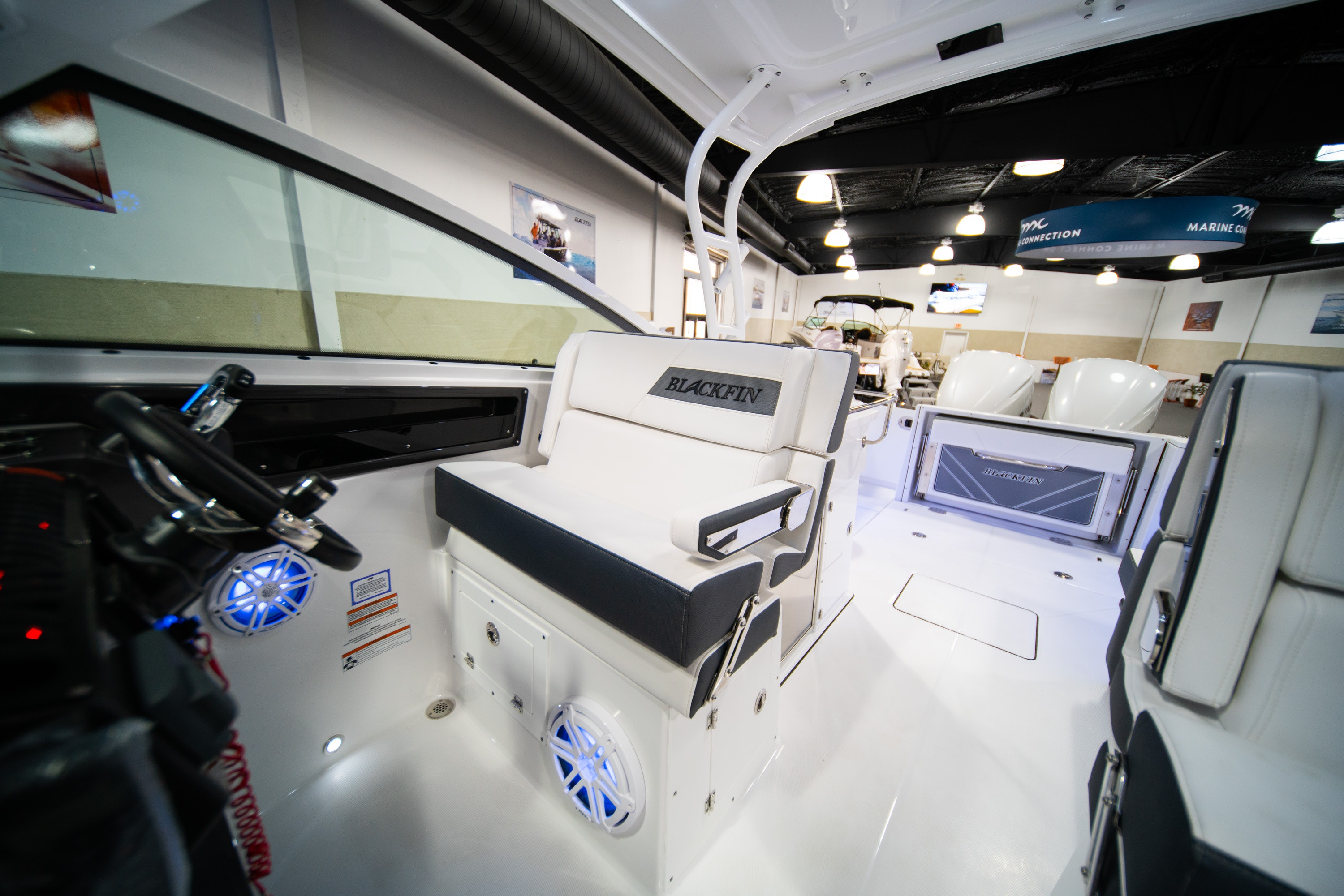 Thumbnail 28 for New 2020 Blackfin 272DC boat for sale in West Palm Beach, FL