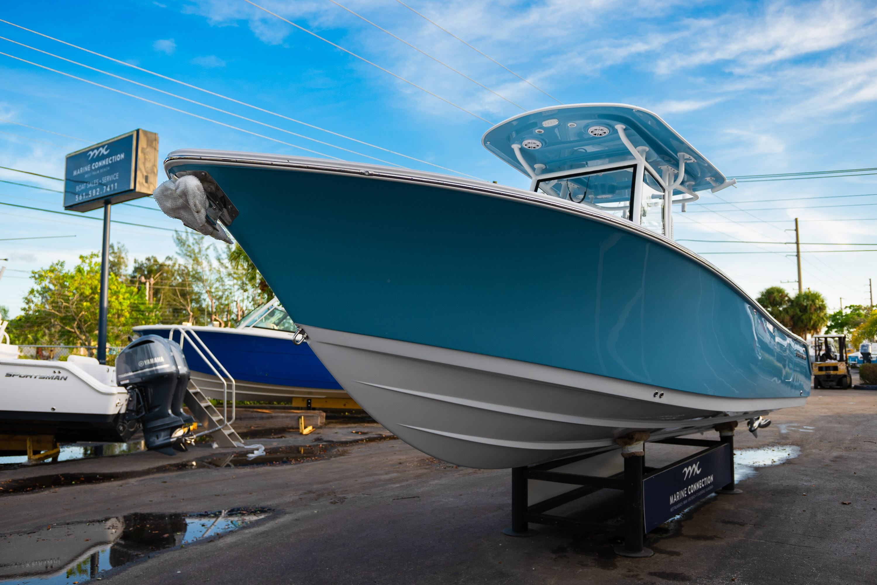 Thumbnail 3 for New 2020 Sportsman Open 282 Center Console boat for sale in West Palm Beach, FL