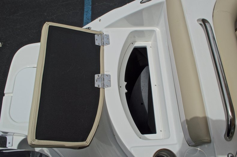 Thumbnail 20 for New 2017 Hurricane SunDeck SD 2486 OB boat for sale in West Palm Beach, FL