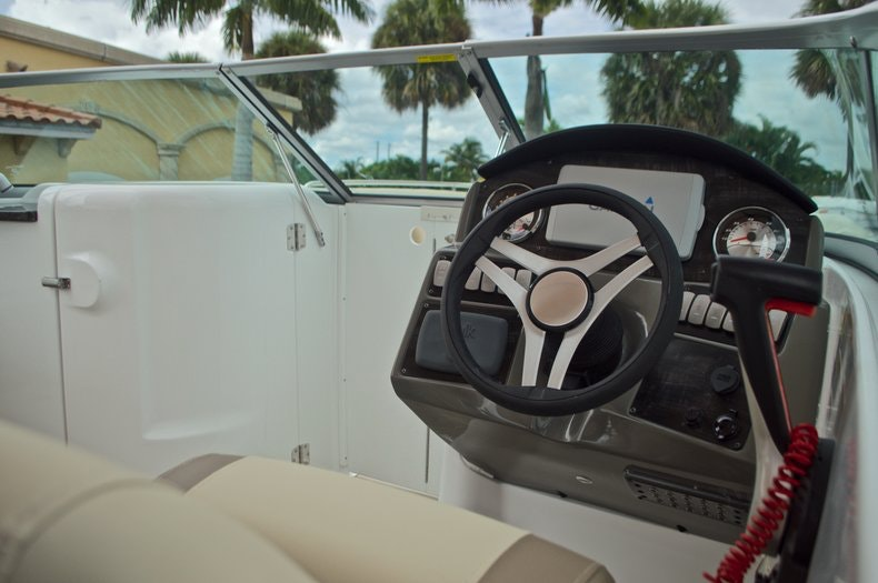 Thumbnail 44 for New 2017 Hurricane SunDeck SD 2486 OB boat for sale in West Palm Beach, FL