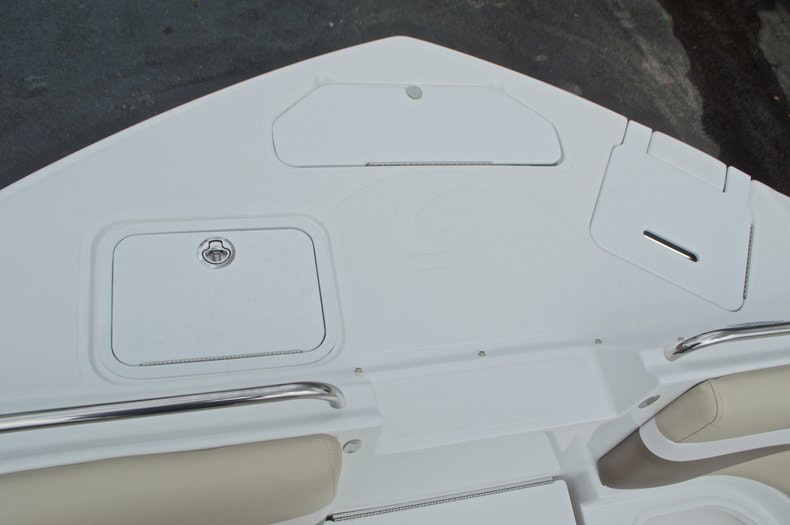 Thumbnail 60 for New 2017 Hurricane SunDeck SD 2486 OB boat for sale in West Palm Beach, FL
