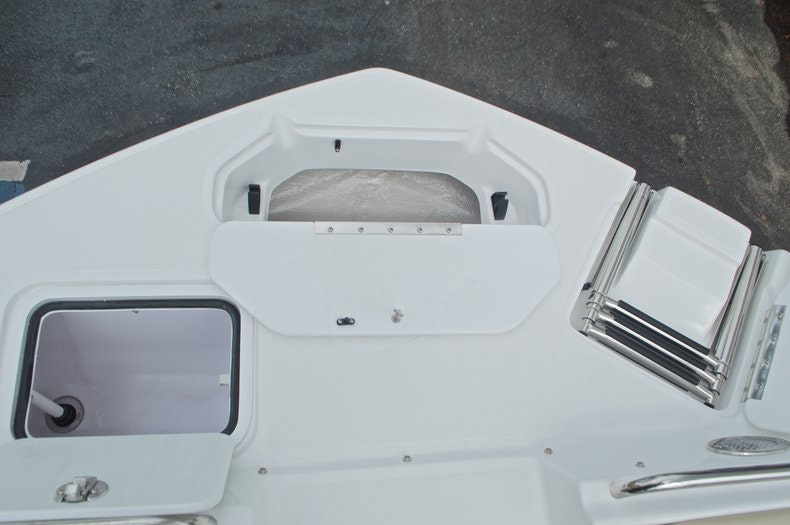 Thumbnail 61 for New 2017 Hurricane SunDeck SD 2486 OB boat for sale in West Palm Beach, FL