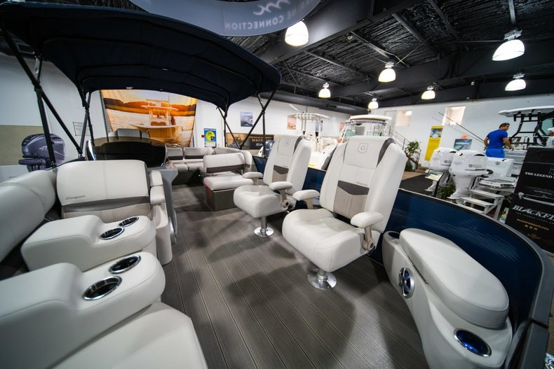 Thumbnail 15 for New 2018 Sanpan SP 2500 DFL boat for sale in West Palm Beach, FL
